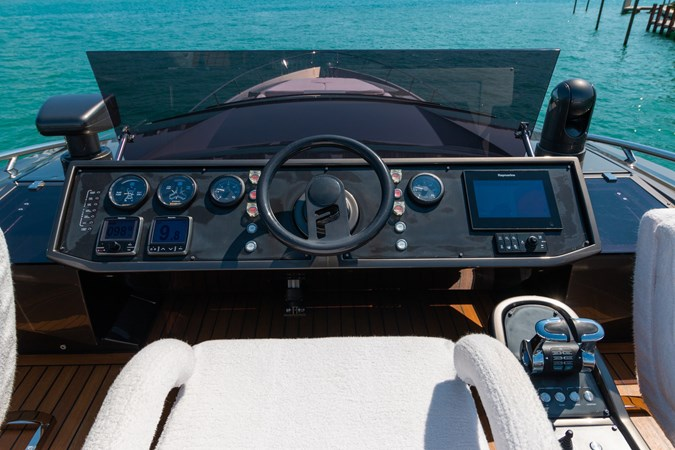 82 Pershing Groot_Exteriors and Details_07-SMALL 2015 PERSHING  High Performance 2492033