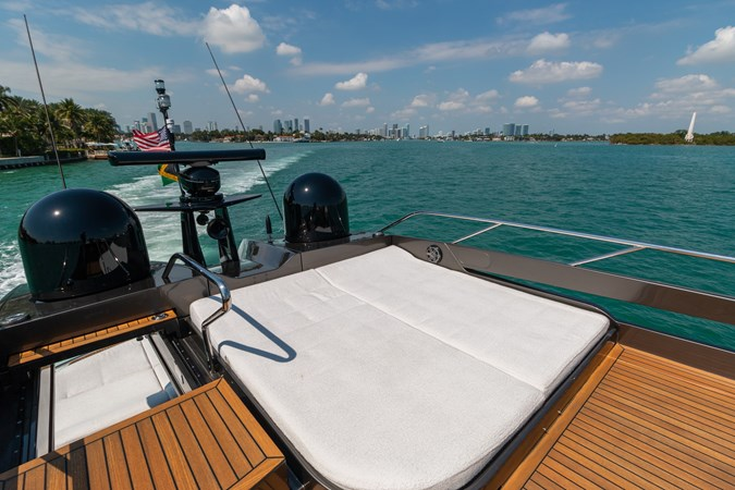 82 Pershing Groot_Exteriors and Details_08-SMALL 2015 PERSHING  High Performance 2492034