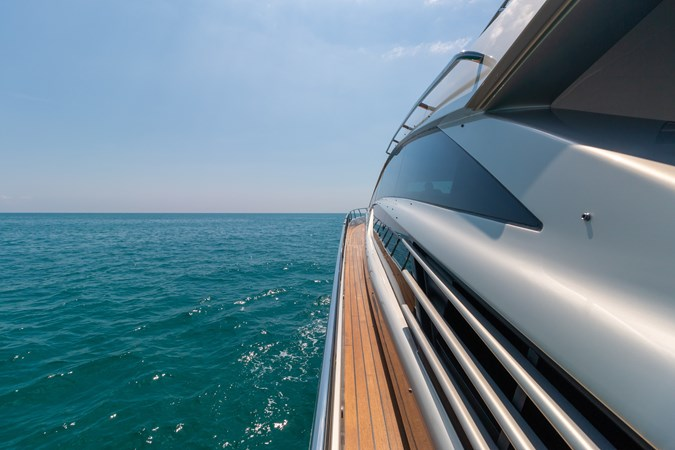 82 Pershing Groot_Exteriors and Details_09-SMALL 2015 PERSHING  High Performance 2492035