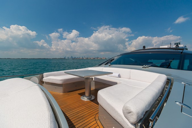 82 Pershing Groot_Exteriors and Details_11-SMALL 2015 PERSHING  High Performance 2492037