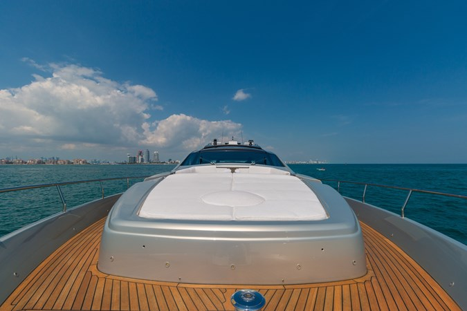 82 Pershing Groot_Exteriors and Details_12-SMALL 2015 PERSHING  High Performance 2492038