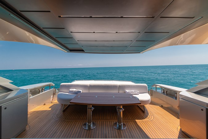 82 Pershing Groot_Exteriors and Details_16-SMALL 2015 PERSHING  High Performance 2492042