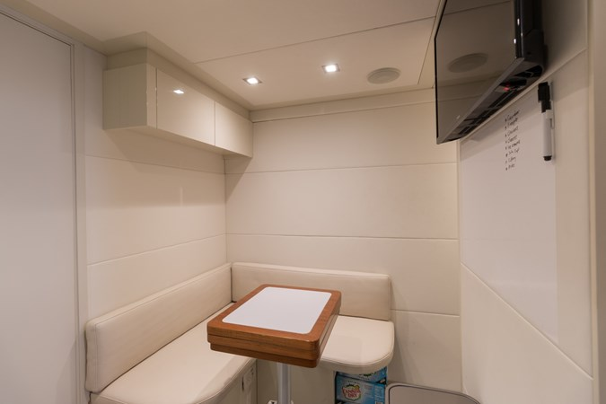 82 Pershing Groot_Exteriors and Details_20-SMALL 2015 PERSHING  High Performance 2492046