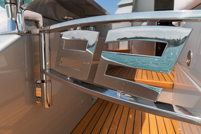 82 Pershing Groot_Exteriors and Details_22-SMALL 2015 PERSHING  High Performance 2492048