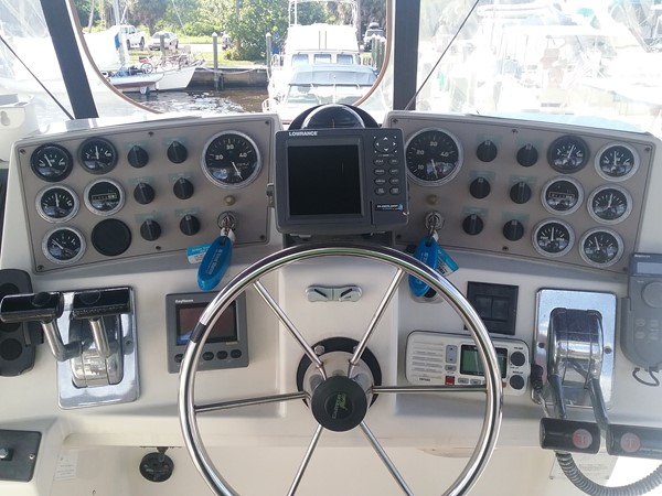 1997 CARVER Carver 355 aft cabin Motor Yacht 2492277