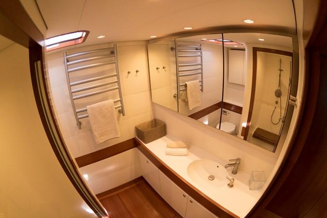 Owner's bathroom(7) 2008 NAUTOR'S SWAN Swan 90 Racing Sailboat 2494406