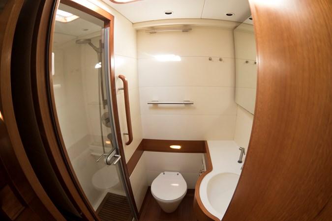 Guest bathroom (5) 2008 NAUTOR'S SWAN Swan 90 Racing Sailboat 2494409