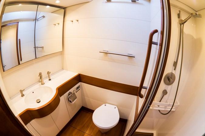 Vip's bathroom (2) 2008 NAUTOR'S SWAN Swan 90 Racing Sailboat 2494413