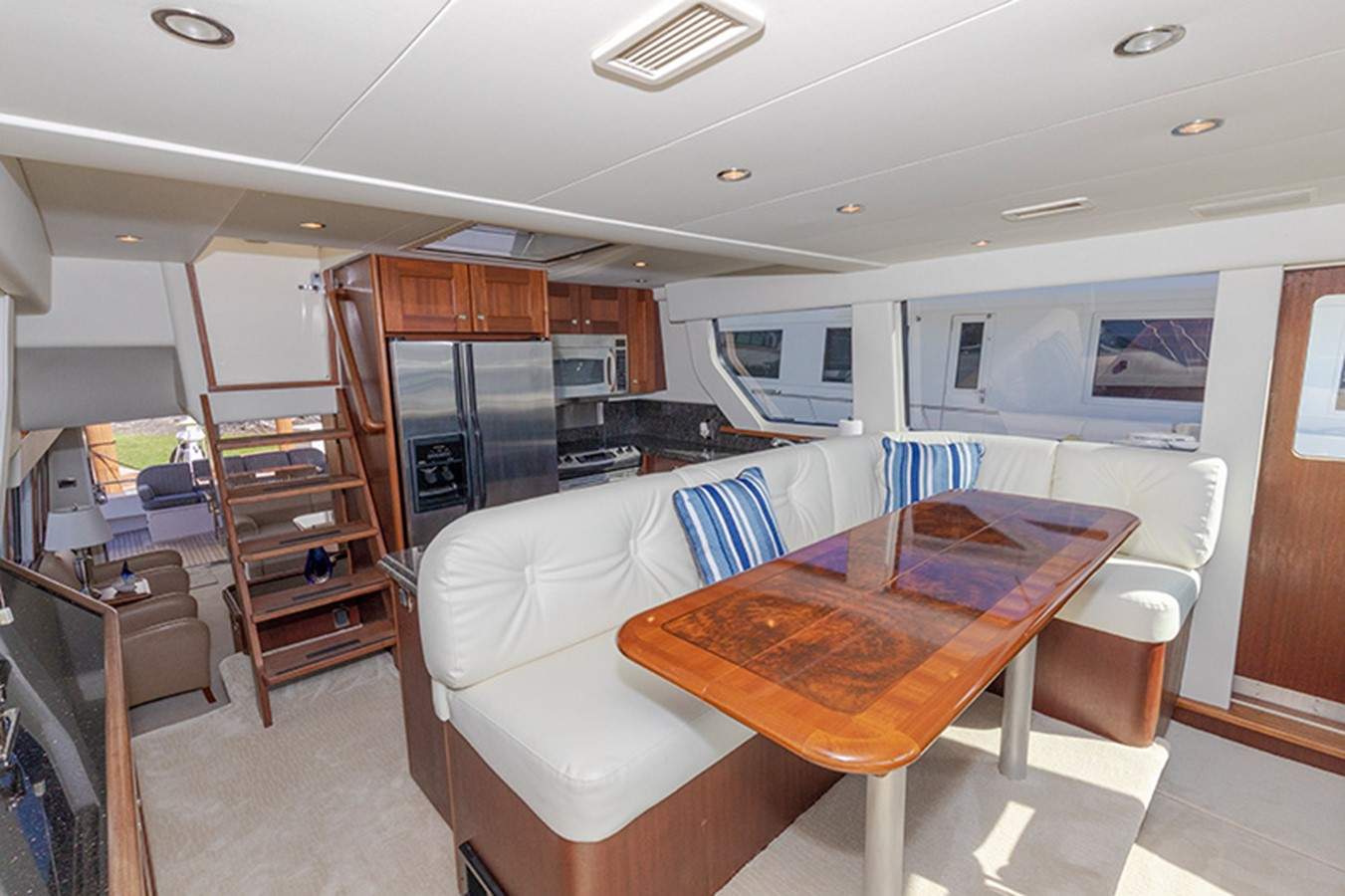 Dining Area 2006 PACIFIC MARINER  Motor Yacht 2537825