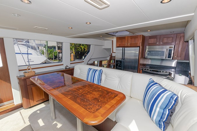 Dining Area 2006 PACIFIC MARINER  Motor Yacht 2537826