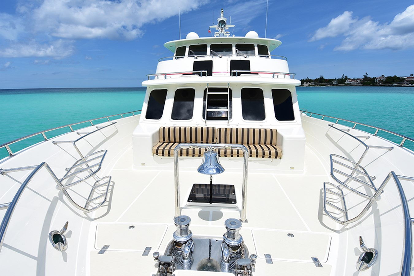 Foredeck 2007 OFFSHORE YACHTS Voyager Motor Yacht 2533912