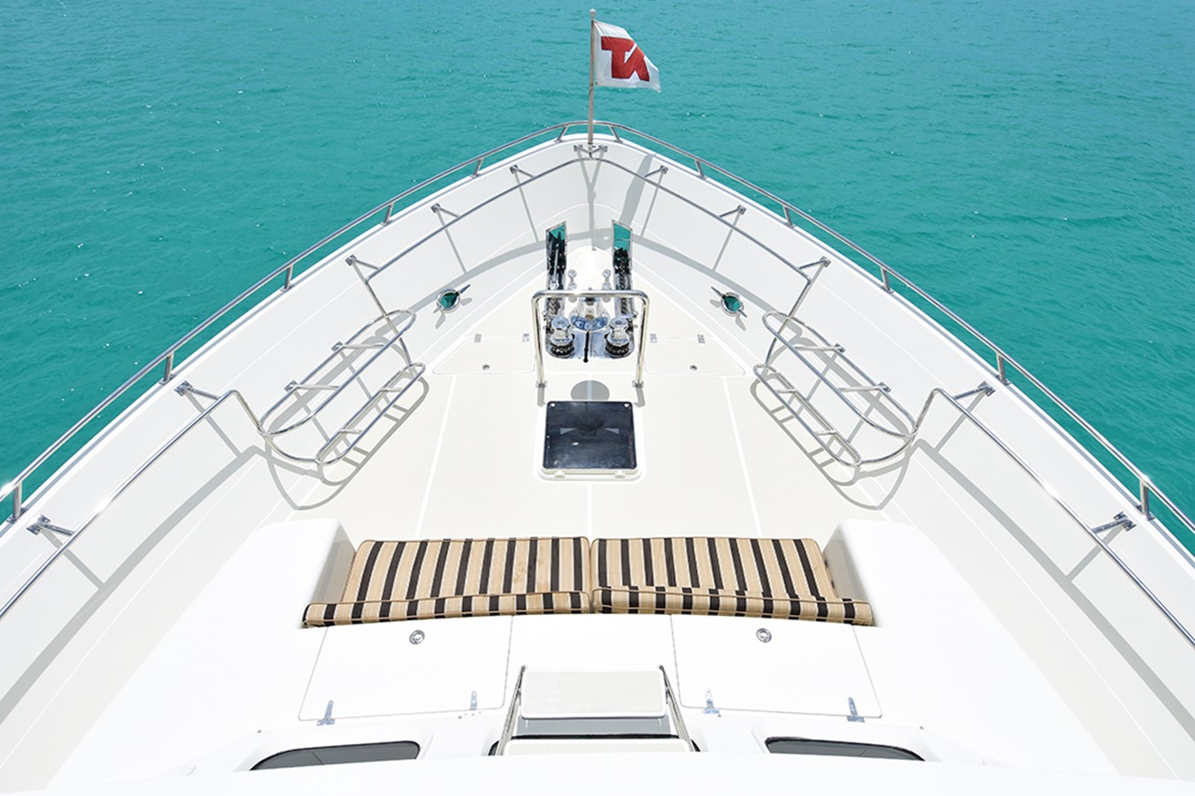 Bow 2007 OFFSHORE YACHTS Voyager Motor Yacht 2533913