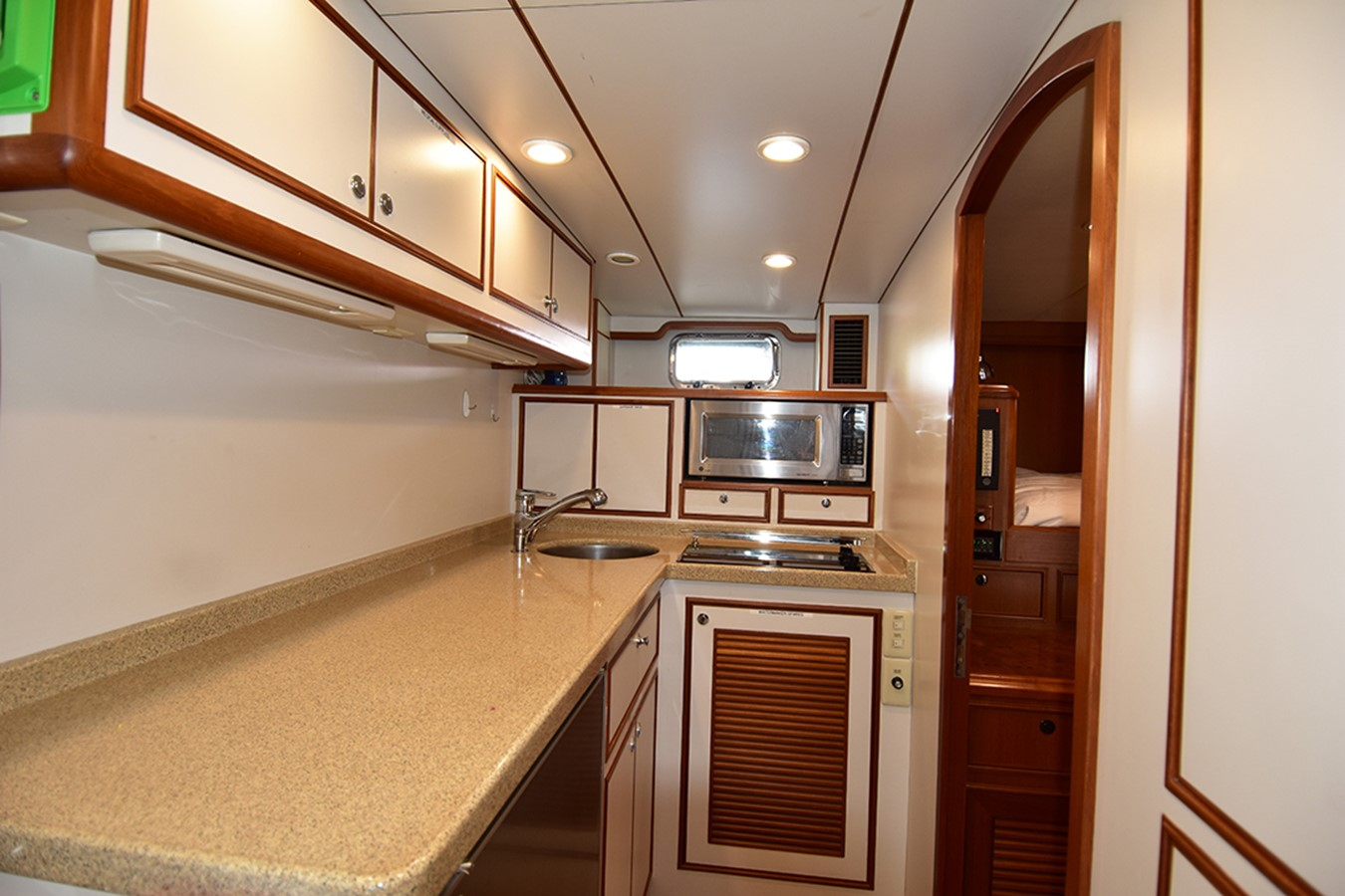 Crew Mess 2007 OFFSHORE YACHTS Voyager Motor Yacht 2533920