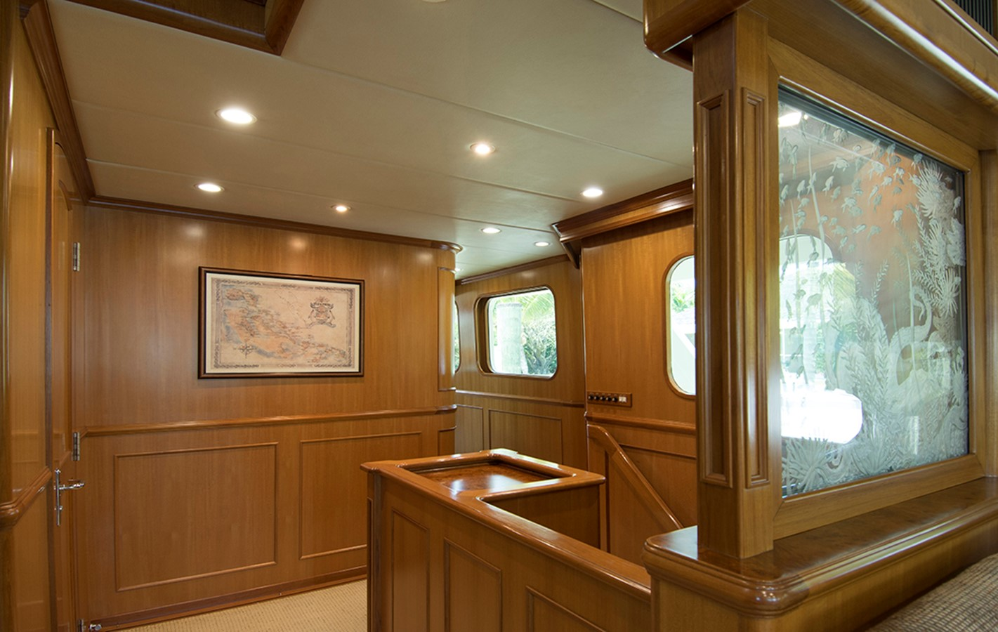Foyer 2007 OFFSHORE YACHTS Voyager Motor Yacht 2533924