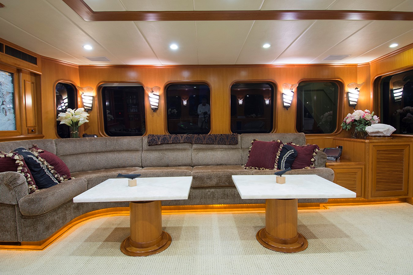 Salon Starboard 2007 OFFSHORE YACHTS Voyager Motor Yacht 2533927
