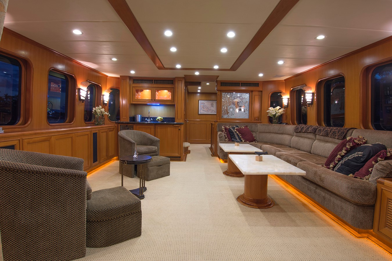 Salon Forward 2007 OFFSHORE YACHTS Voyager Motor Yacht 2534184