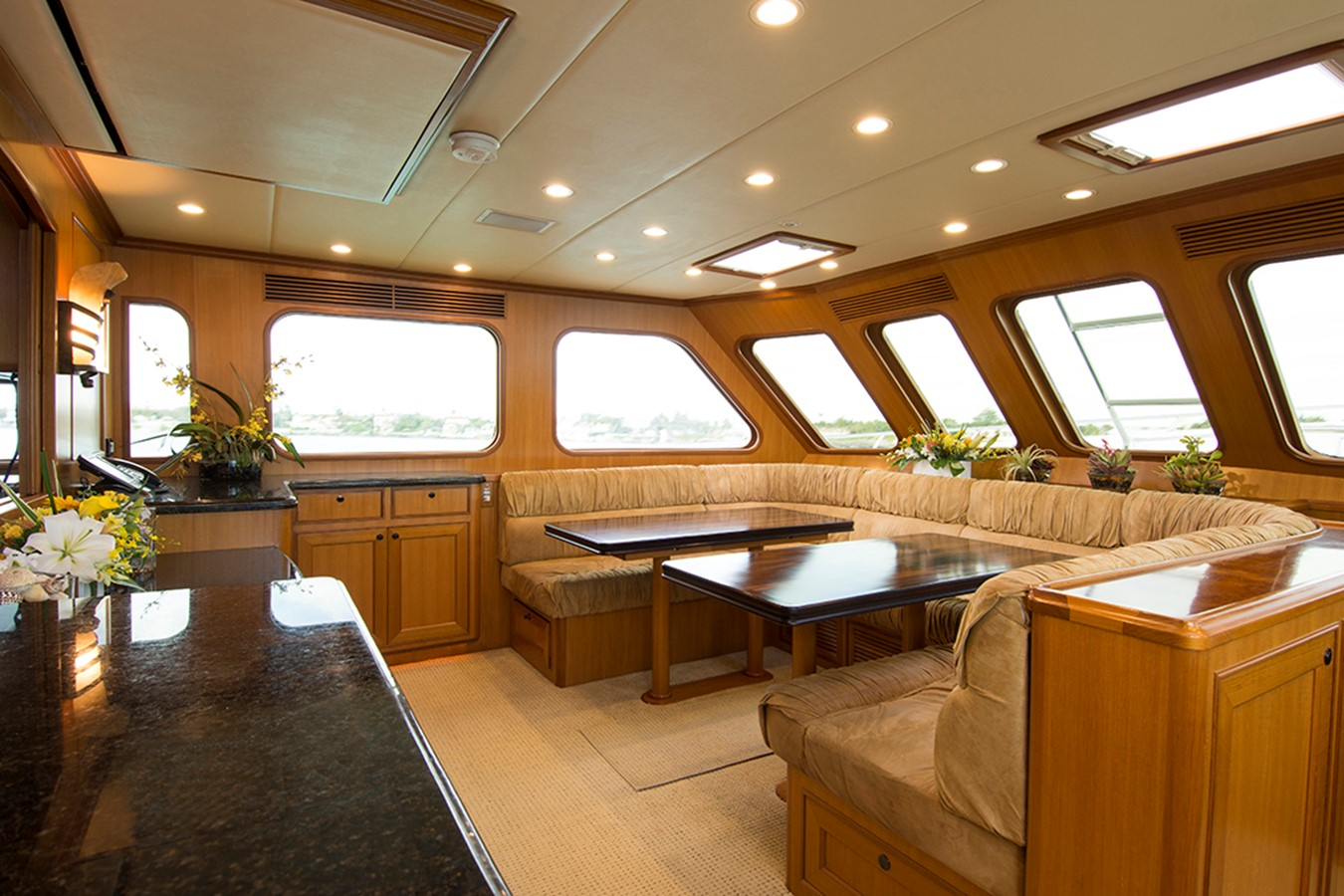 Formal Dining Fwd 2007 OFFSHORE YACHTS Voyager Motor Yacht 2535017