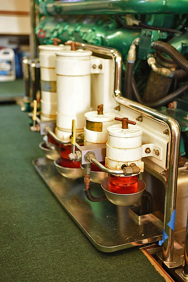 Engine Room 2007 OFFSHORE YACHTS Voyager Motor Yacht 2585937