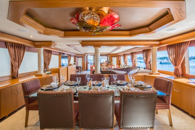 Dining 1995 HATTERAS  Motor Yacht 2499114