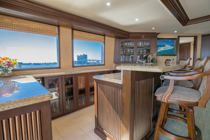 Skylounge Bar 1995 HATTERAS  Motor Yacht 2499116