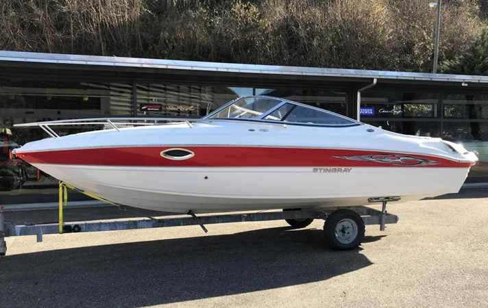 2009 STINGRAY  225 CR Runabout 2501080