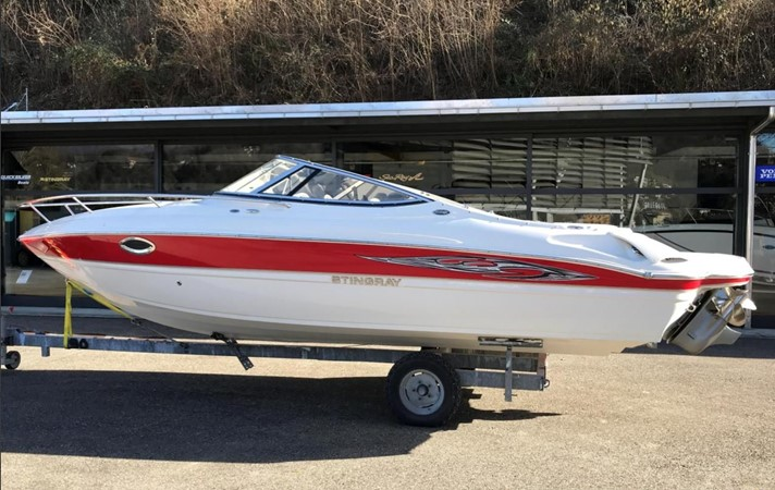 2009 STINGRAY  225 CR Runabout 2501081