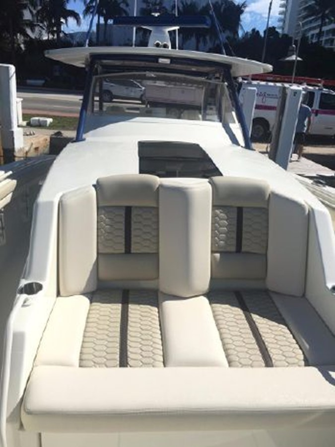 2018 SEA FORCE IX  Center Console 2501608