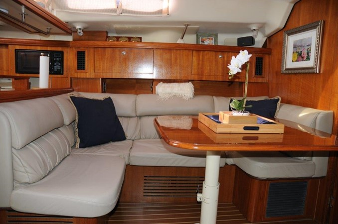 2004 HUNTER 466 Cruising Sailboat 2502318