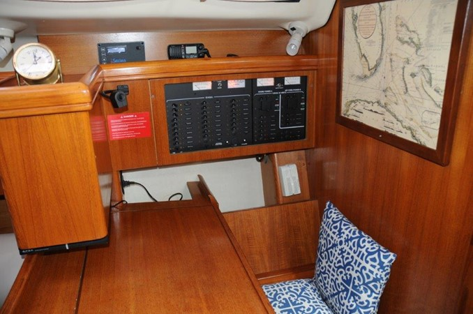 2004 HUNTER 466 Cruising Sailboat 2502319