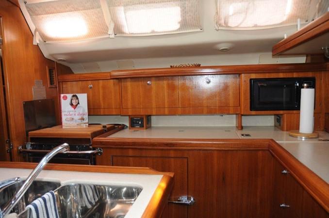 2004 HUNTER 466 Cruising Sailboat 2502321