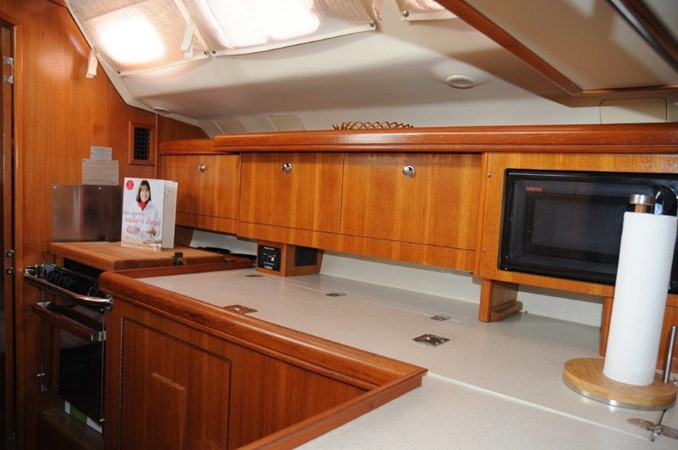 2004 HUNTER 466 Cruising Sailboat 2502322
