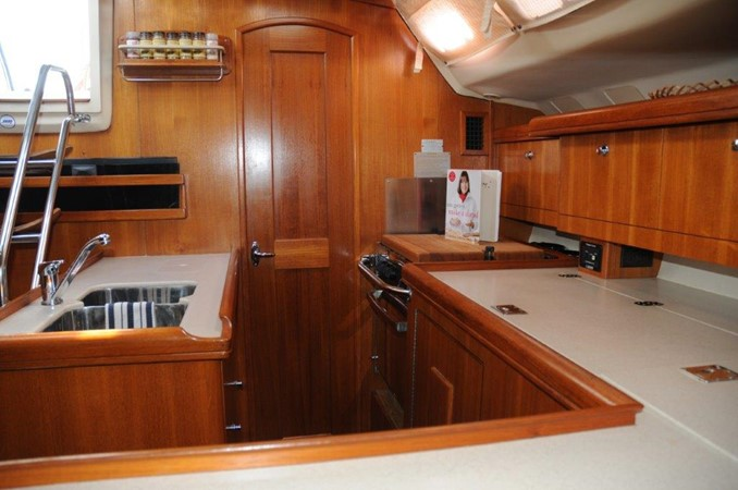 2004 HUNTER 466 Cruising Sailboat 2502323