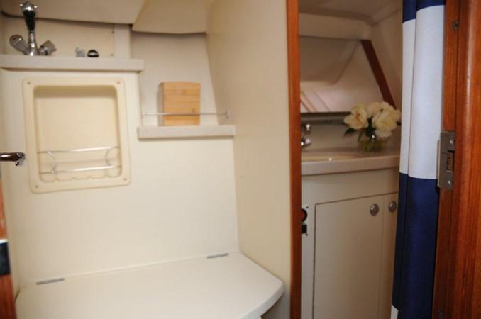 2004 HUNTER 466 Cruising Sailboat 2502330