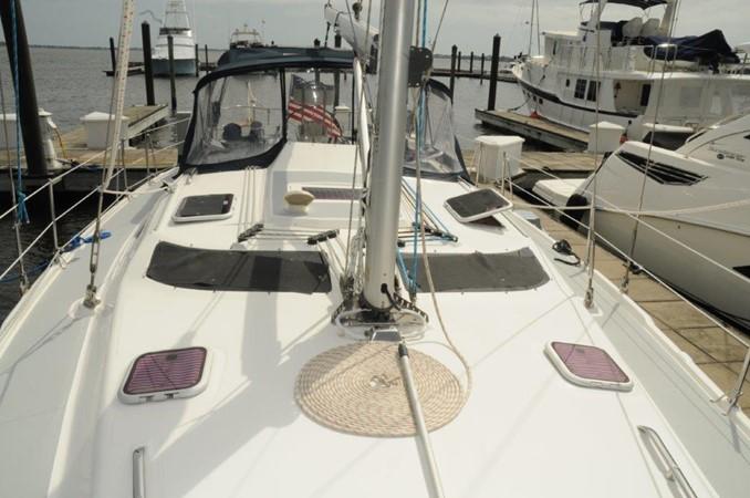 2004 HUNTER 466 Cruising Sailboat 2502336