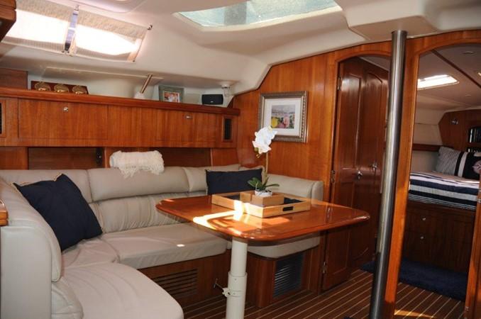 2004 HUNTER 466 Cruising Sailboat 2502346