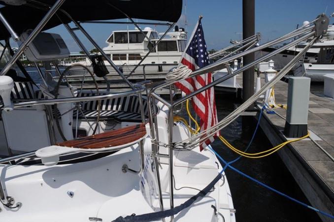 2004 HUNTER 466 Cruising Sailboat 2502348