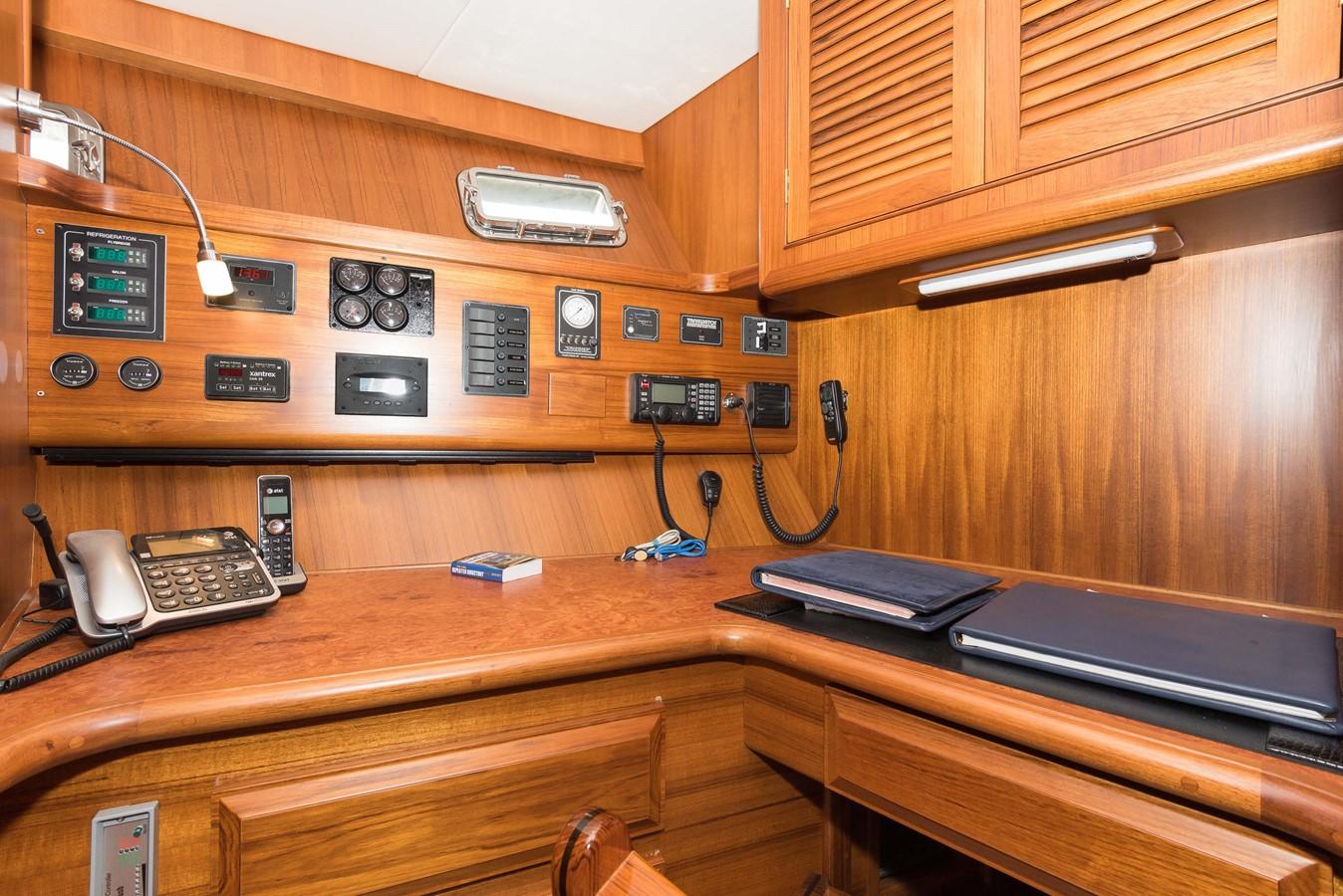 Converted Mid-Stateroom/Office 1983 DEFEVER Aft Cabin Motoryacht Trawler 2580916