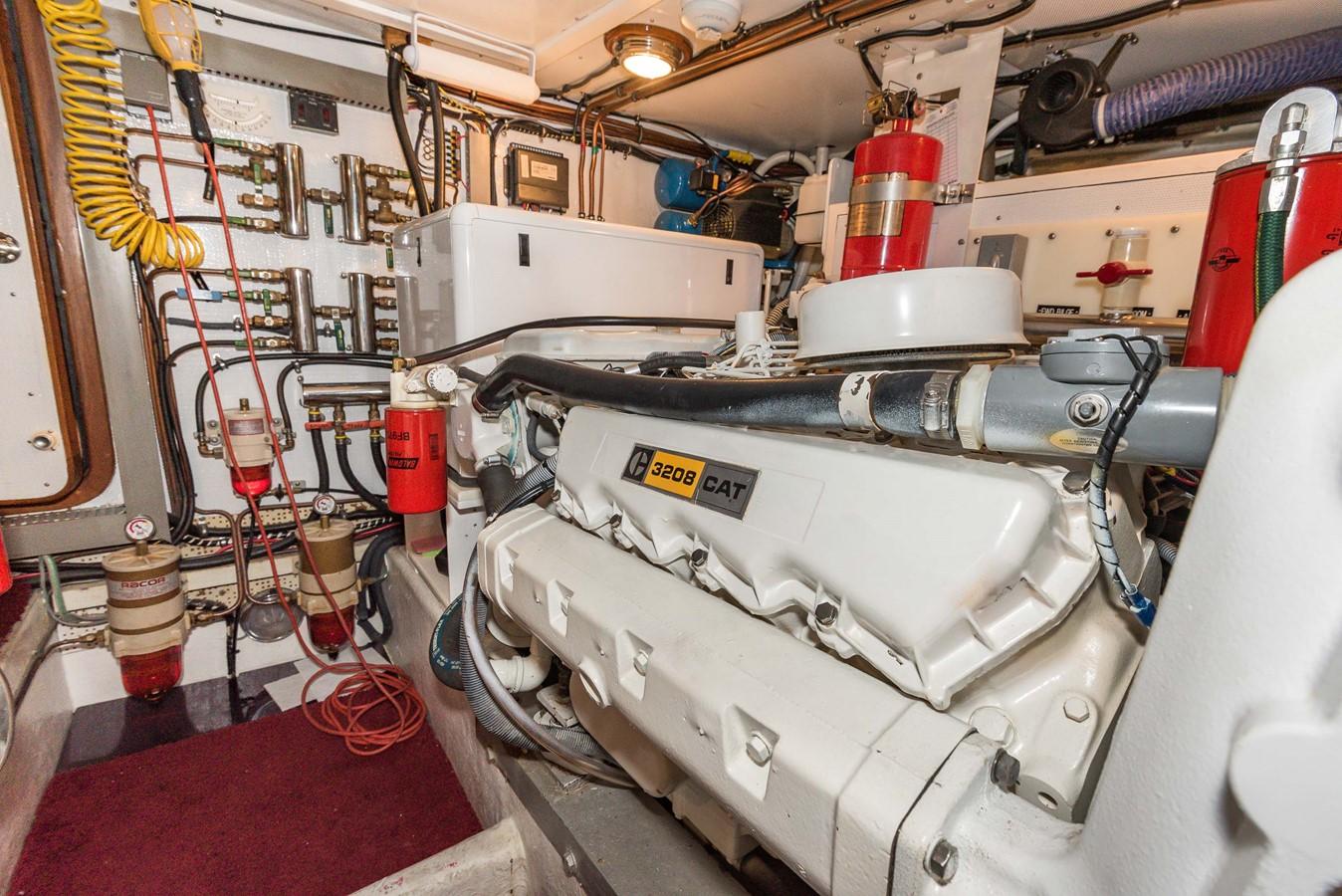Engine Room Starboard 1983 DEFEVER Aft Cabin Motoryacht Trawler 2580961