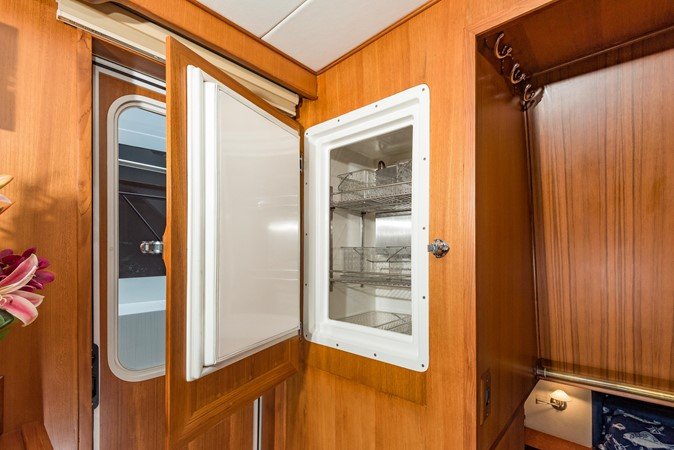 Refrigerator 1983 DEFEVER Aft Cabin Motoryacht Trawler 2580914
