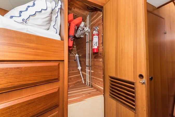 VIP Cedar Lined Closet 1983 DEFEVER Aft Cabin Motoryacht Trawler 2580928