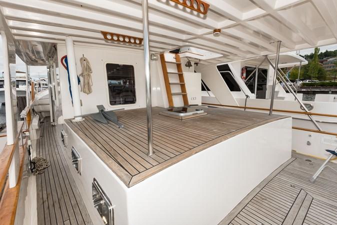 Aft Deck 2 1983 DEFEVER Aft Cabin Motoryacht Trawler 2580950