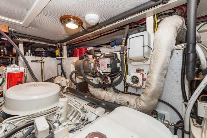 Engine Room Port 1983 DEFEVER Aft Cabin Motoryacht Trawler 2581303