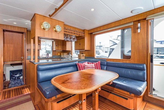 Salon 1983 DEFEVER Aft Cabin Motoryacht Trawler 2586118