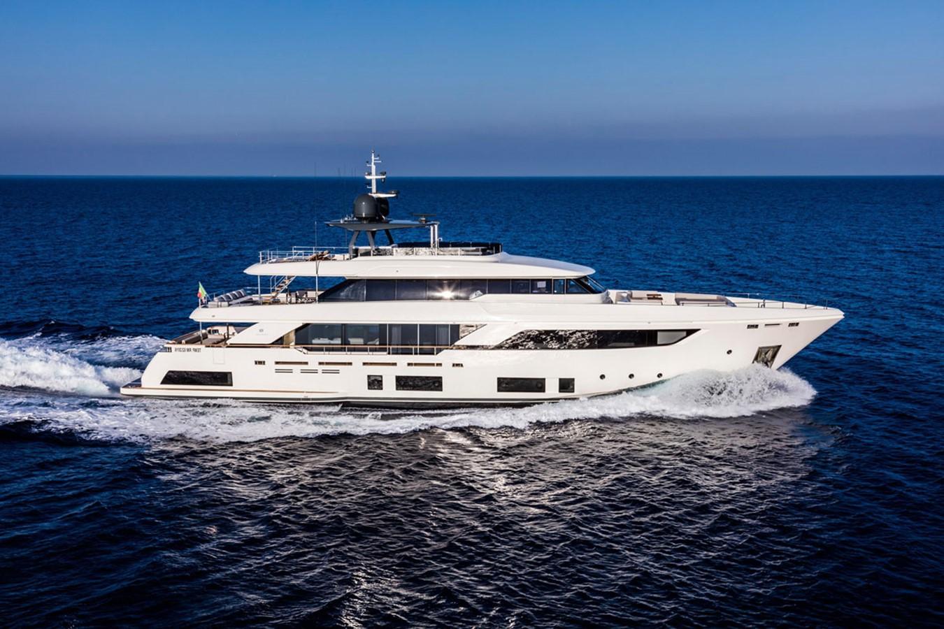 2017 FERRETTI CUSTOM LINE Custom line navetta 37 Motor Yacht 2503725