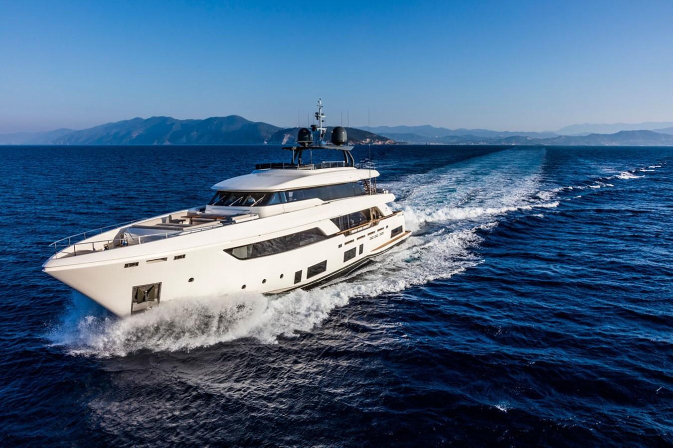 2017 FERRETTI CUSTOM LINE Custom line navetta 37 Motor Yacht 2503728