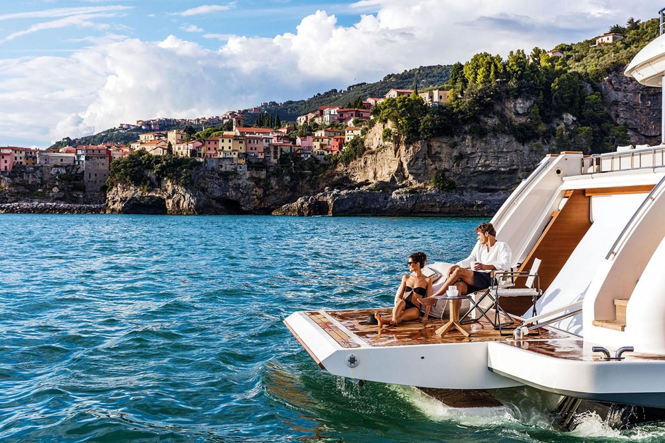 2017 FERRETTI CUSTOM LINE Custom line navetta 37 Motor Yacht 2504165