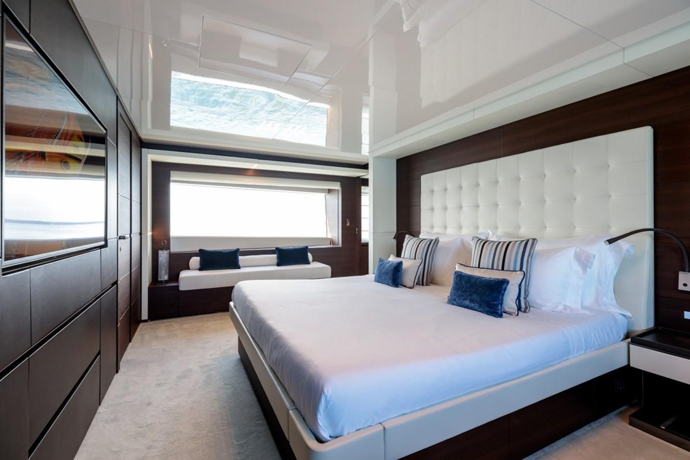 2017 FERRETTI CUSTOM LINE Custom line navetta 37 Motor Yacht 2551761