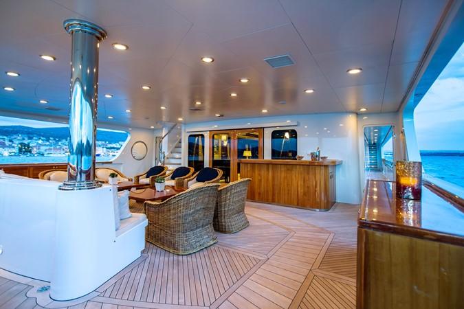 Motor Vessal Amizad: MUSTIQUE 2005 TRINITY Motor Yacht MLS #254090