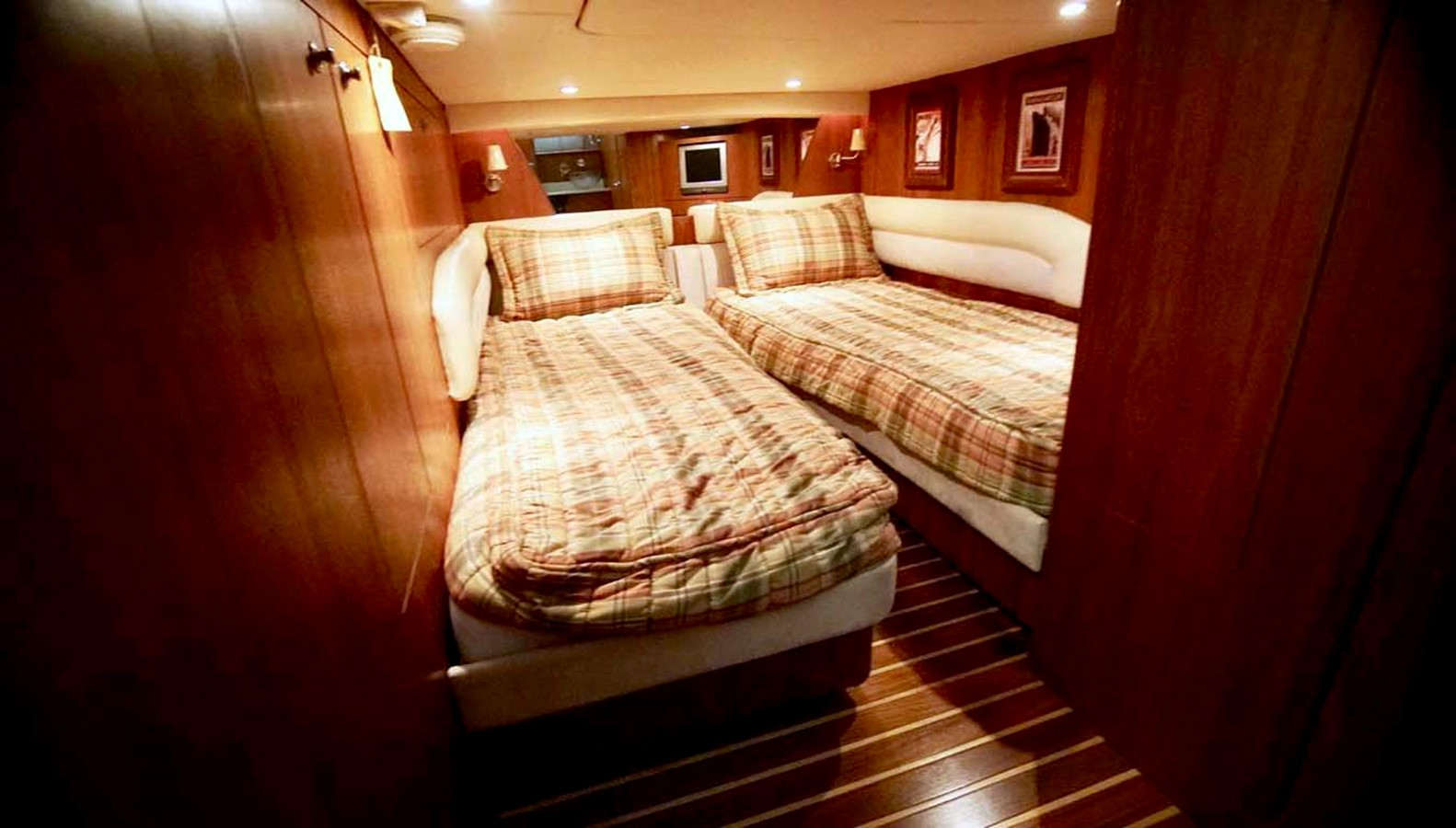 2007 TIARA 4300 Sovran Cruiser 2506179