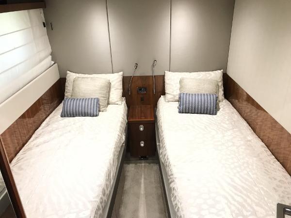 2016 SUNSEEKER Manhattan Motor Yacht 2540893